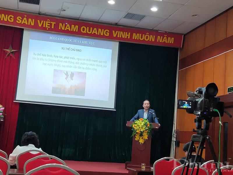 Hội nghị được tổ chức bằng hình thức trực tiếp và trực tuyến trên fanpage của Hội LHPN Hà Nội