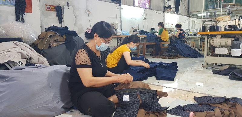 Xưởng may gia đình anh Phạm Văn Tâm giải quyết việc làm cho hàng trăm lao động nữ