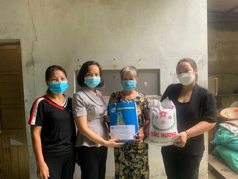 Với sự giúp đỡ kịp thời của các cấp Hội LHPN quận Hà Đông, nhiều hoàn cảnh khó khăn đã được hỗ trợ bằng nhiều hình thức cụ thể