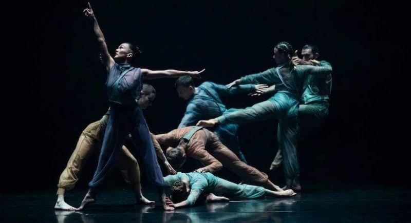 Các nghệ sĩ múa mong muốn được cổ vũ tinh thần tới lực lượng tuyến đầu trong công cuộc chống dịch Covid-19