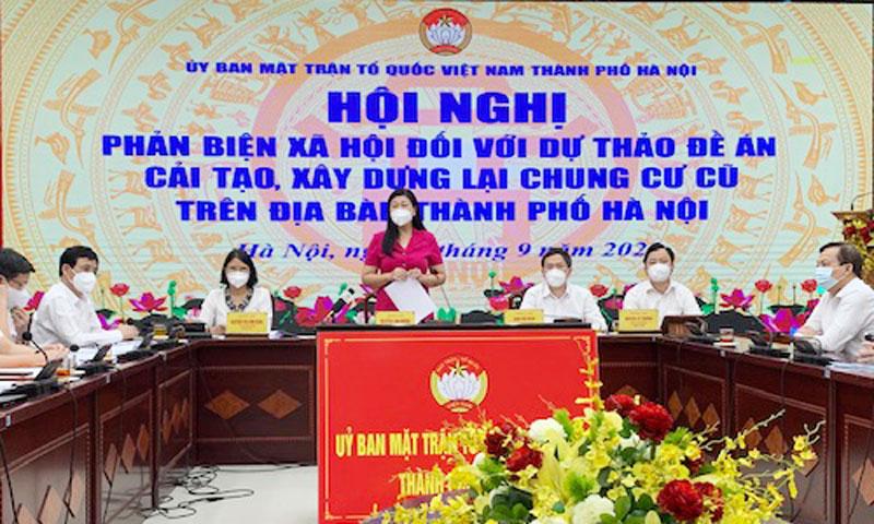 Chủ tịch Ủy ban Mặt trận Tổ quốc Việt Nam thành phố Nguyễn Lan Hương phát biểu kết luận hội nghị.