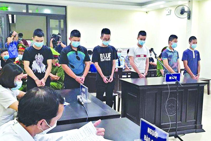 Các bị cáo tại tòa ngày 1/9