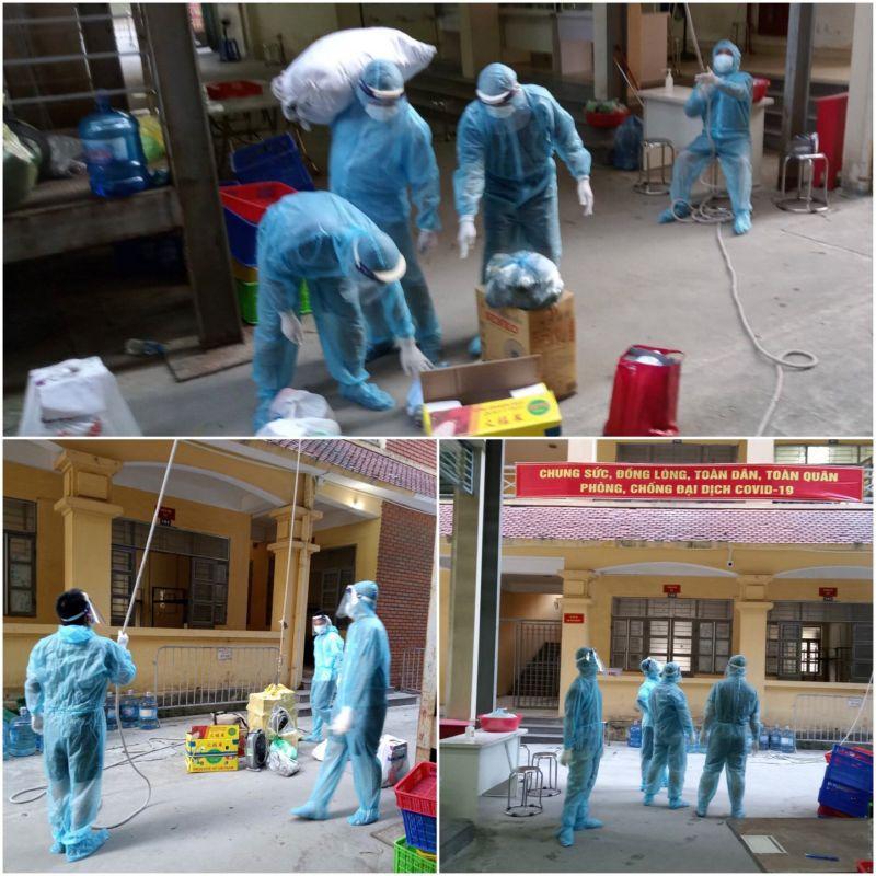 Các cán bộ, chiến sĩ hỗ trợ vận chuyển đồ, chuẩn bị những bữa cơm đủ dinh dưỡng cho người dân tại khu cách ly tập trung trường Cao đẳng Kinh tế Công nghiệp Hà Nội (xã Tả ThanhOai, ThanhTrì, Hà Nội).