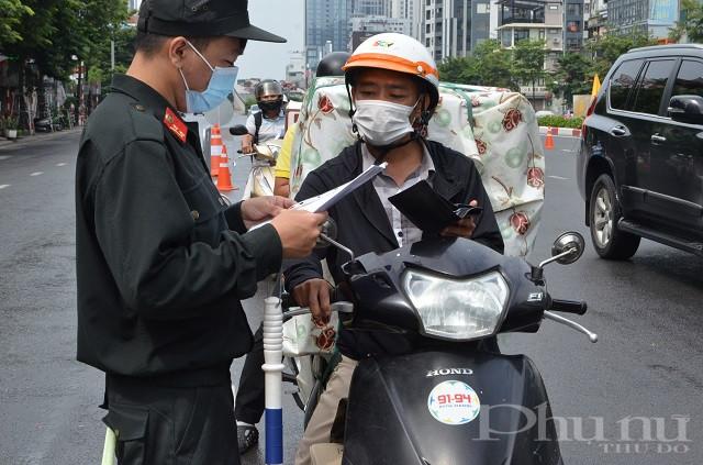Người dân ai cũng nghiêm chỉnh chấp hành các quy định về phòng, chống dịch của Thành phố