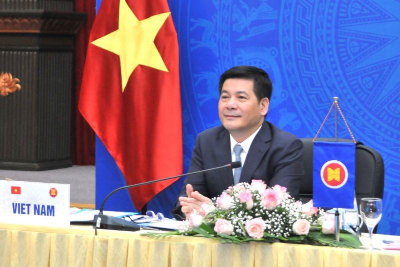 Bộ trưởng Bộ Công Thương Nguyễn Hồng Diên dẫn đầu đoàn Việt Nam tại hội nghị đầu cầu Hà Nội