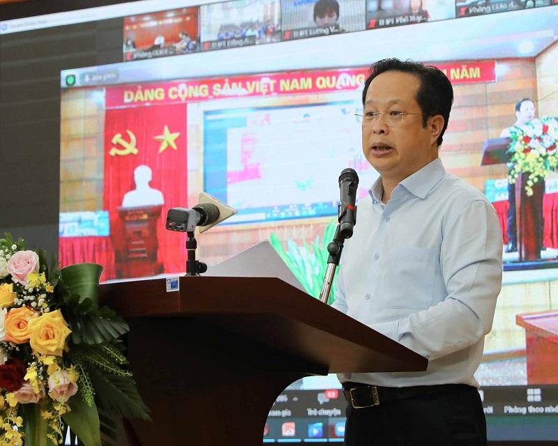 Giám đốc Sở GD-ĐT Trần Thế Cương phát biểu tại chương trình