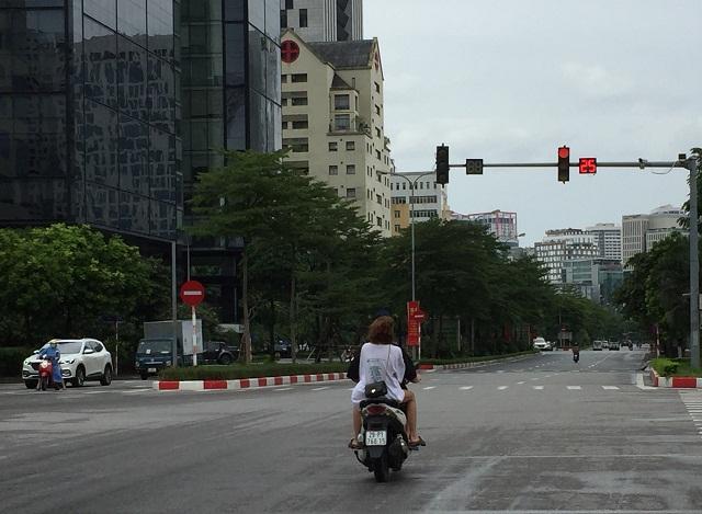 Lợi dụng sự vắng mặt của các lực lượng chức năng, người tham gia giao thông