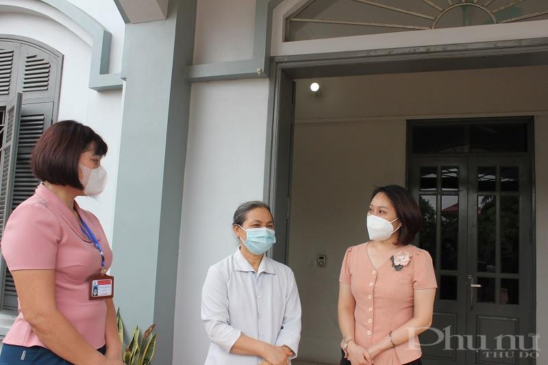 Đồng thời thăm hỏi, động viên và gửi lời chúc sức khỏe tốt đẹp nhất  tới các sơ và những phụ nữ có hoàn cảnh khó khăn