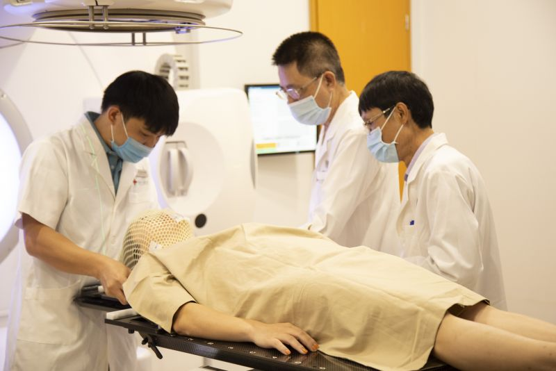 Phương pháp tiếp cận mới trong điều trị bệnh ung thư giúp quá trình điều trị diễn ra liền mạch, bệnh nhân có thể rút ngắn thời gian, tiết kiệm chi phí và nâng cao hiệu quả chữa bệnh