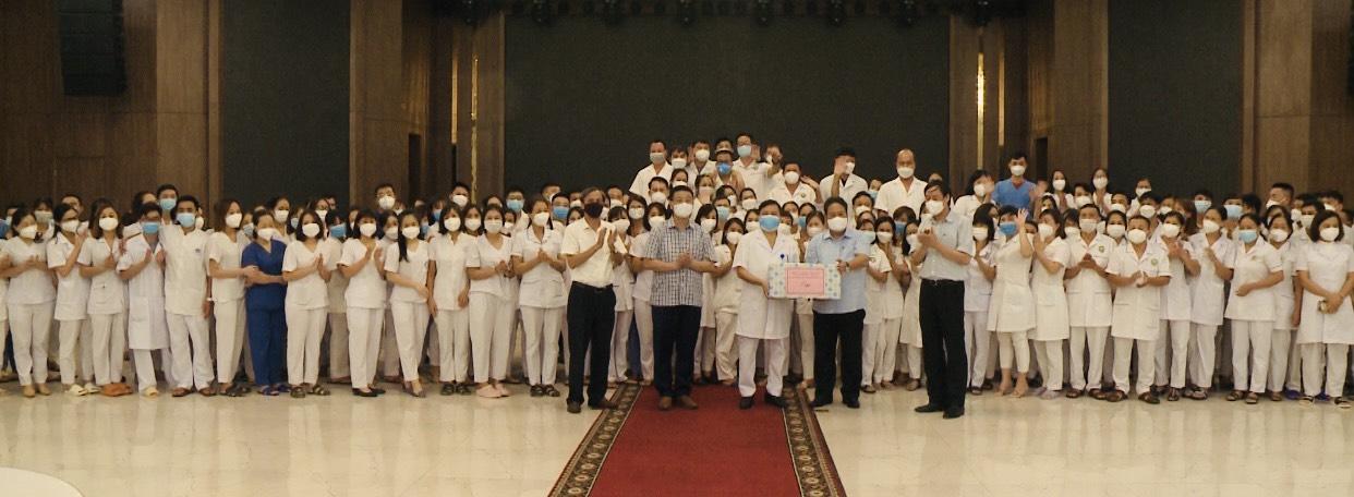 Lãnh đạo Huyện Thanh Trì gặp mặt, chia tay đoàn cán bộ y tế tỉnh Phú Thọ