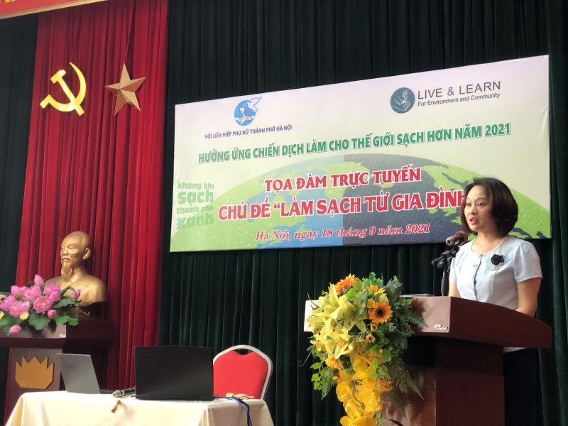 Phó Chủ tịch Hội LHPN Hà Nội Phạm Thị Thanh Hương phát biểu khai mạc tọa đàm