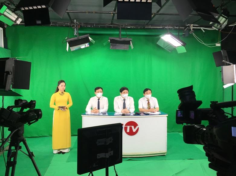 Tọa đàm trực tuyến được thực hiện tại trụ sở Truyền hình HiTV- Truyền hình Cáp Hà Nội, đầu cầu một số cơ quan báo chí và các cấp Hội Nhà báo trên cả nước