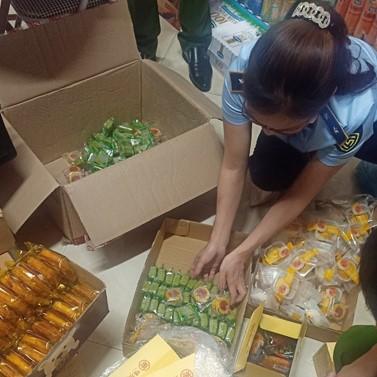 Gần 500 chiếc bánh trung thu nhập lậu