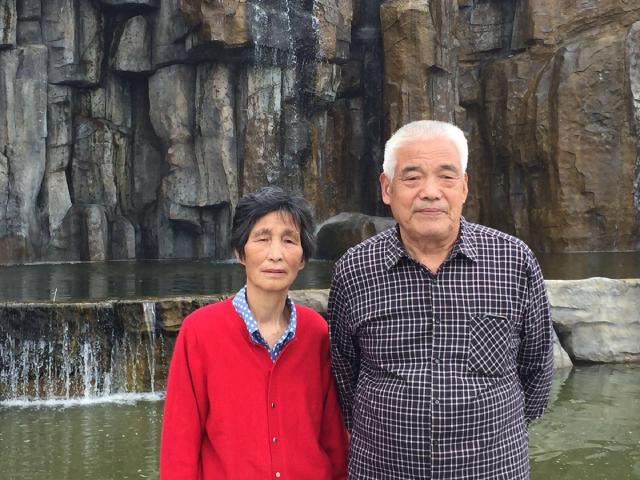 Ông bà Liu Shusheng và Yang Zhengmei đang chuẩn bị cho một Trung thu bất thường nhất trong đời của họ.