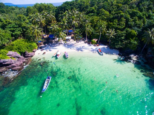 Hòn Móng Tay - một trong những hòn đảo đẹp nhất Phú Quốc.