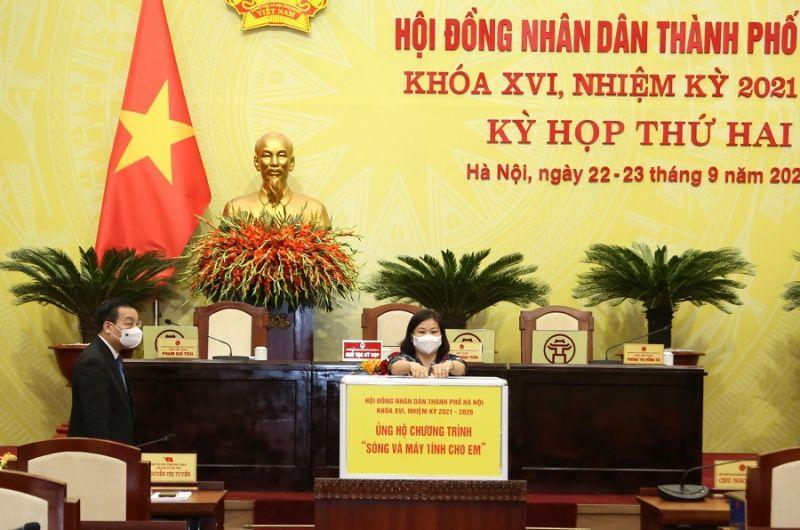 Ủy viên T.Ư Đảng, Phó Bí thư Thường trực Thành uỷ Hà Nội Nguyễn Thị Tuyến ủng hộ Chương trình