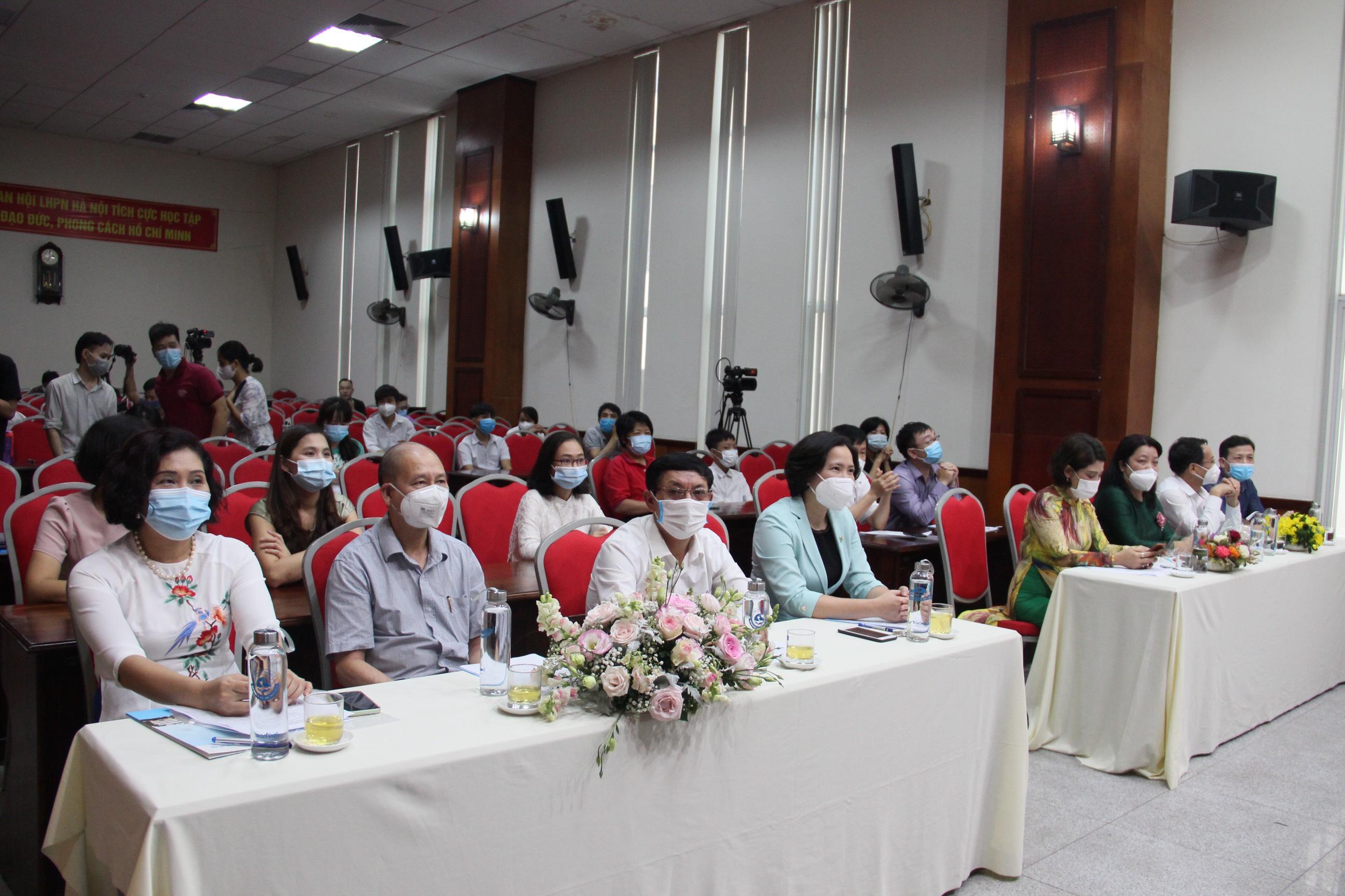 Các đại biểu tham dự Lễ phát động Cuộc thi viết