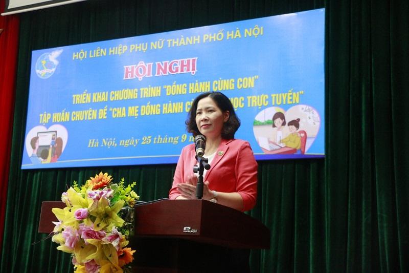 Đồng chí Lê Kim Anh, Chủ tịch Hội LHPN Hà Nội phát biểu phát động Chương trình