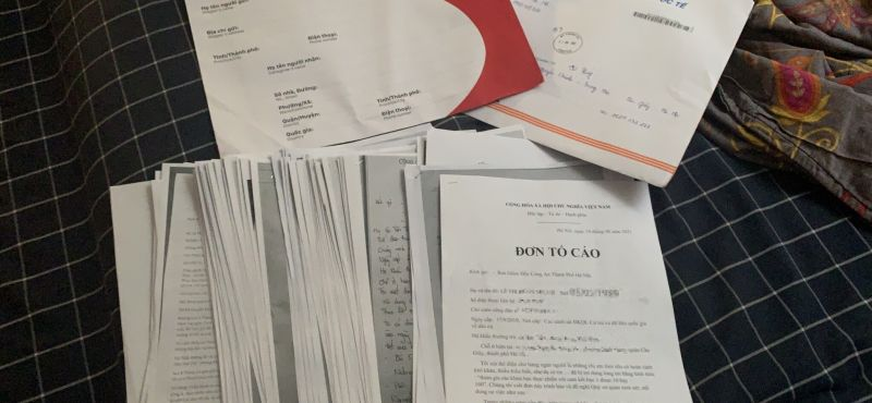 Những lá đơn tố cáo Kim Thùy của nhiều bà mẹ bỉm sữa gửi đến cơ quan công an