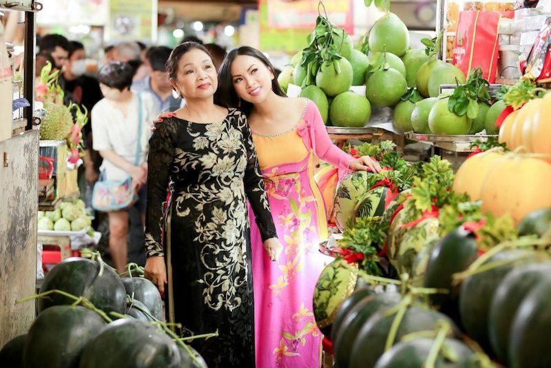 Ca sĩ Hà Phương và mẹ