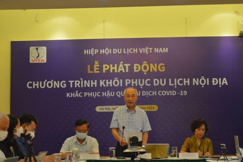 Ông Vũ Thế Bình - Phó Chủ tịch Thường trực Hiệp hội Du lịch Việt Nam trao đổi về khái niệm du lịch an toàn