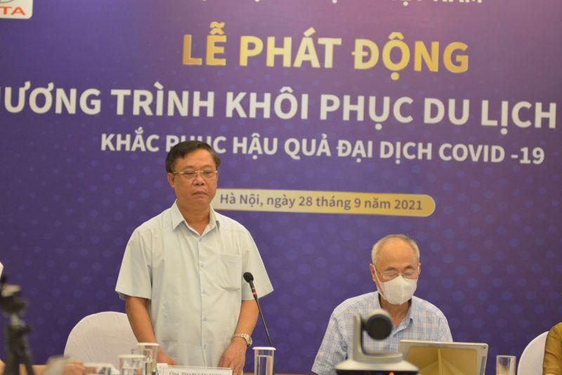 Phó Tổng cục trưởng Tổng cục Du lịch Phạm Văn Thuỷ phát biểu tại lễ phát động