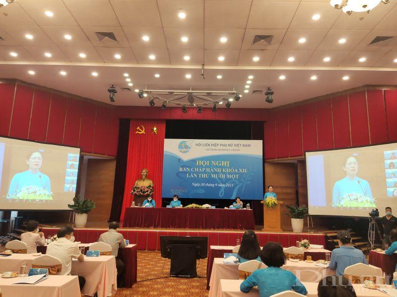 Đồng chí Hà Thị Nga, Ủy viên Trung ương Đảng, Chủ tịch Hội LHPN Việt Nam phát biểu khai mạc hội nghị