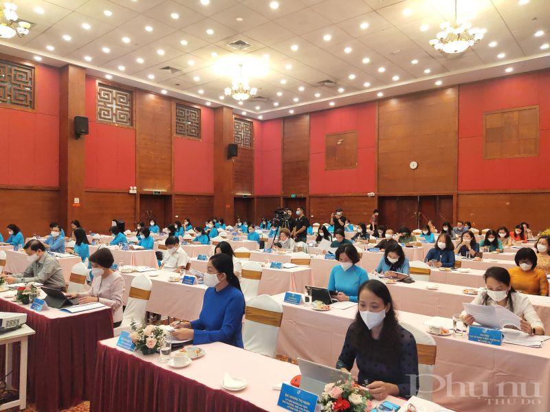 Các đại biểu tham dự hội nghị trực tiếp tại Hội trường 20 Thụy Khuê,  Hà Nội