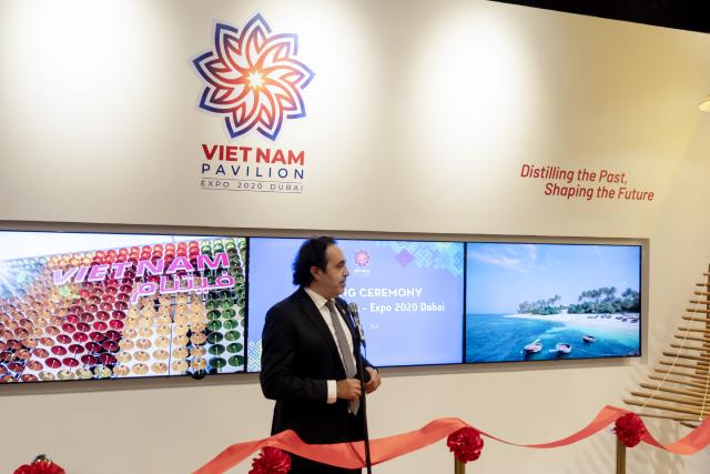 Ông Omar Shehadeh - Tổng Phụ trách các nước tham dự EXPO 2020 Dubai chúc mừng và cảm ơn Việt Nam đã nỗ lực tham gia EXPO 2020 Dubai.