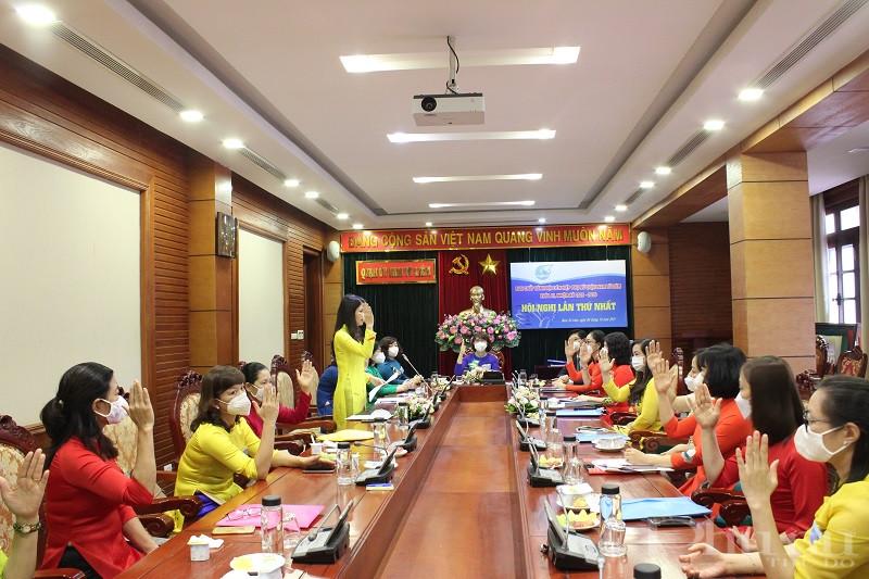 Phiên họp thứ Nhất Ban Chấp hành Hội LHPN quận Nam Từ Liêm bầu BTV, Chủ tịch và Phó Chủ tịch