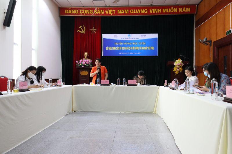 Bà Đào Thị Vi Phương, Phó ban Chính sách Luật pháp, Hội LHPN Việt Nam và bà Nguyễn Thị Thu Thủy, Phó Chủ tịch Hội LHPN Hà Nội đồng chủ trì buổi truyền thông trực tuyến