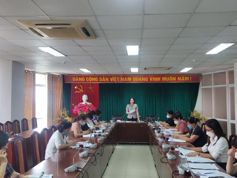 Đồng chí Lê Kim Anh – Chủ tịch Hội LHPN Hà Nội phát biểu chủ trì tại hội nghị.