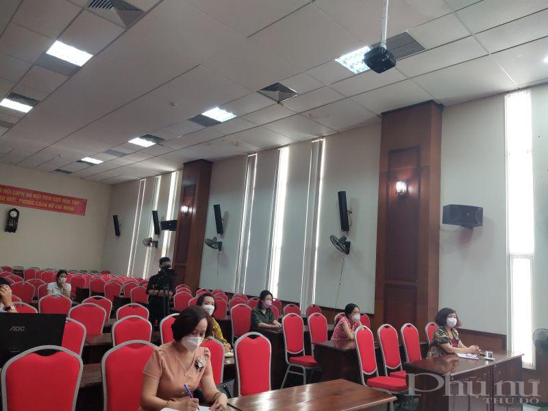 Các đại biểu tham dự hội nghị tại hội trường cơ quan Hội LHPN Hà Nội