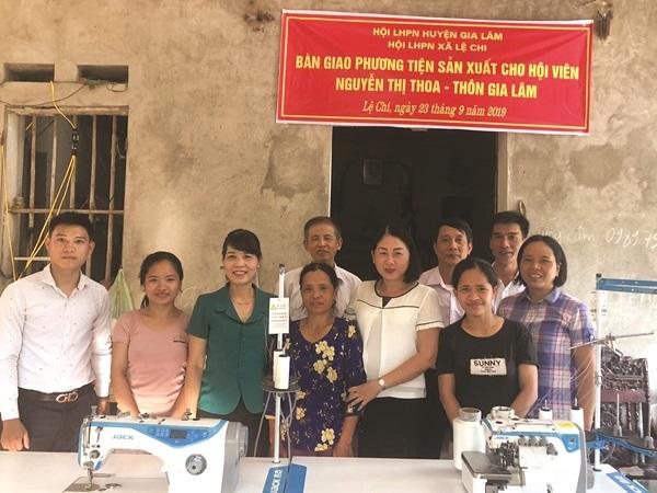 Chương trình trao công cụ sản xuất cho hội viên phụ nữ trong hộ gia đình khó khăn, nghèo và cận nghèo được Hội LHPN huyệnGia Lâm duy trì hàng năm và đạt hiệu quả cao