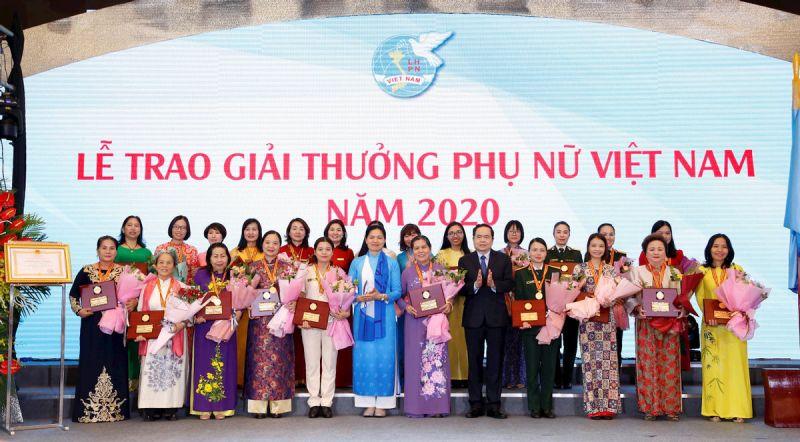 Lễ trao Giải thưởng phụ nữ Việt Nam năm 2020
