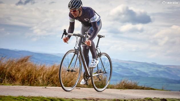 Một số giả thuyết cho rằng khi đạp xe nhiều, ngồi một chỗ lâu có thể gây tăng nhiệt độ vùng bìu, từ đó gây ảnh hưởng đến quá trình sản xuất tinh trùng.