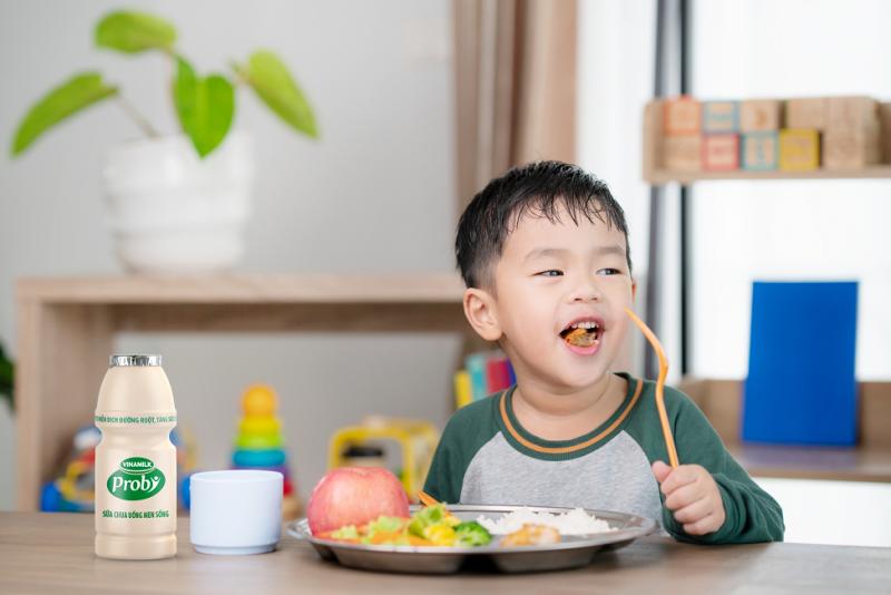 Ăn uống khoa học giúp trẻ khoẻ mạnh, có sức đề kháng tốt.