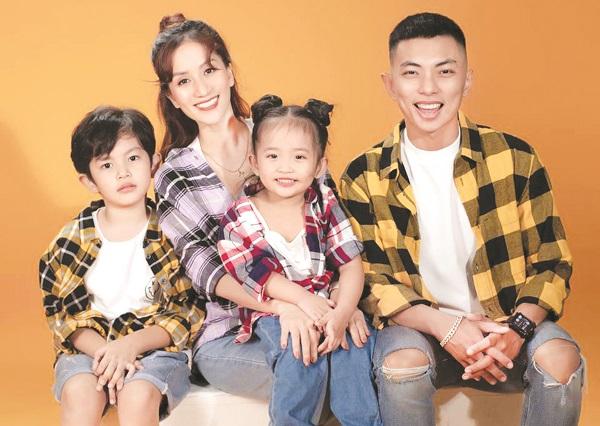 Gia đình hạnh phúc của Khánh Thi – Phan Hiển (Ảnh: int)