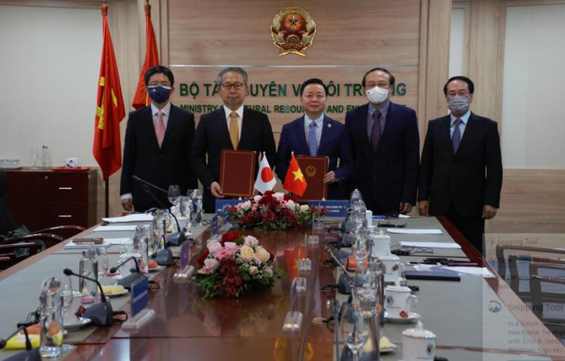 Lễ ký kết Bản ghi nhớ hợp tác về tăng trưởng cácbon thấp giữa Việt Nam và Nhật Bản.